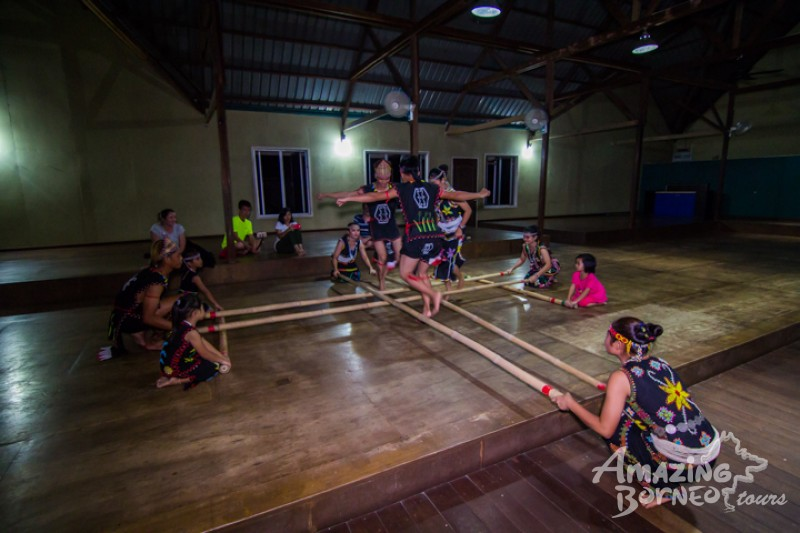 Enjoy traditional dance performances from the Murut culture
