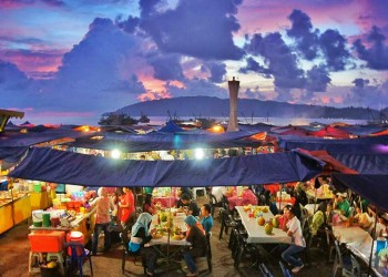 Kota Kinabalu City Night Tour With Seafood Dinner