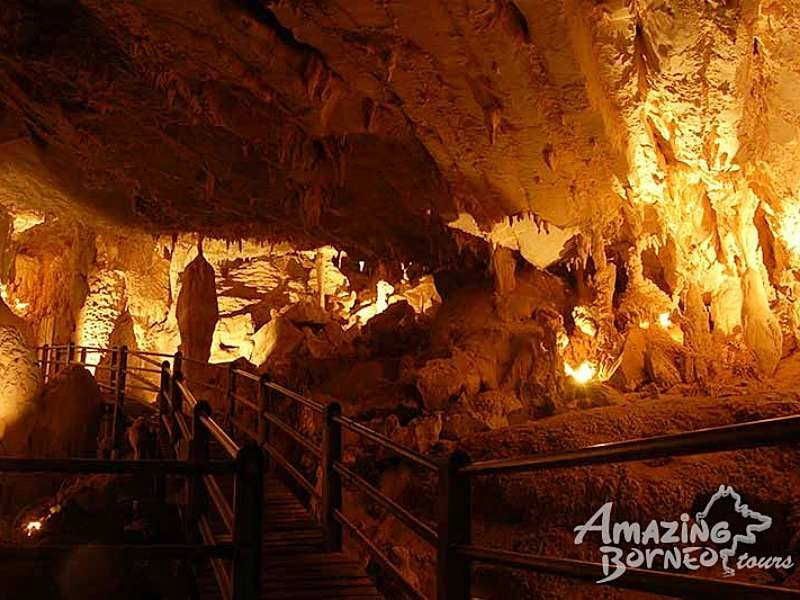 3D2N Mulu Show Caves & Park HQ Stay - Amazing Borneo Tours