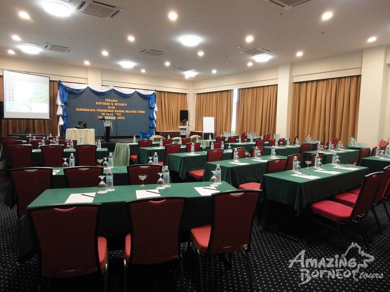 The Pavilion Hotel - Amazing Borneo Tours