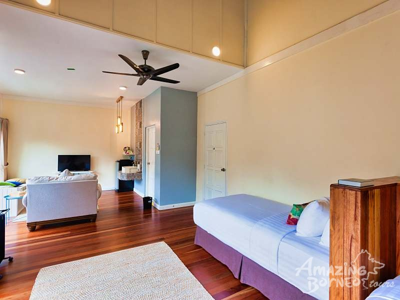 Nepenthes Suite - Amazing Borneo Tours