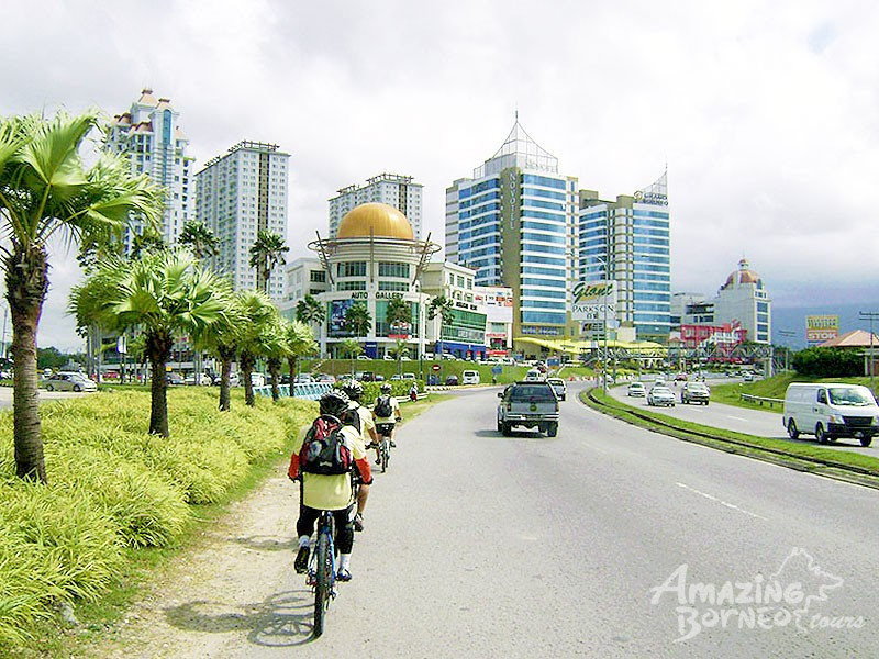 Cycling - Kota Kinabalu City Easy Ride - Amazing Borneo Tours