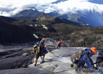 Top High-Altitude Adventures: Best of Borneo's landscapes.